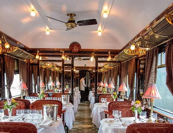 Couvert à bord de l'Orient Express